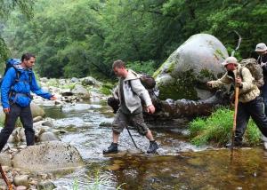 abenteuerreich Erlebnistouren, Schwarzwald, Survivaltour, Flusswanderung, Wildbachwanderung, Softrafting, Nachtlager, Floßbau
