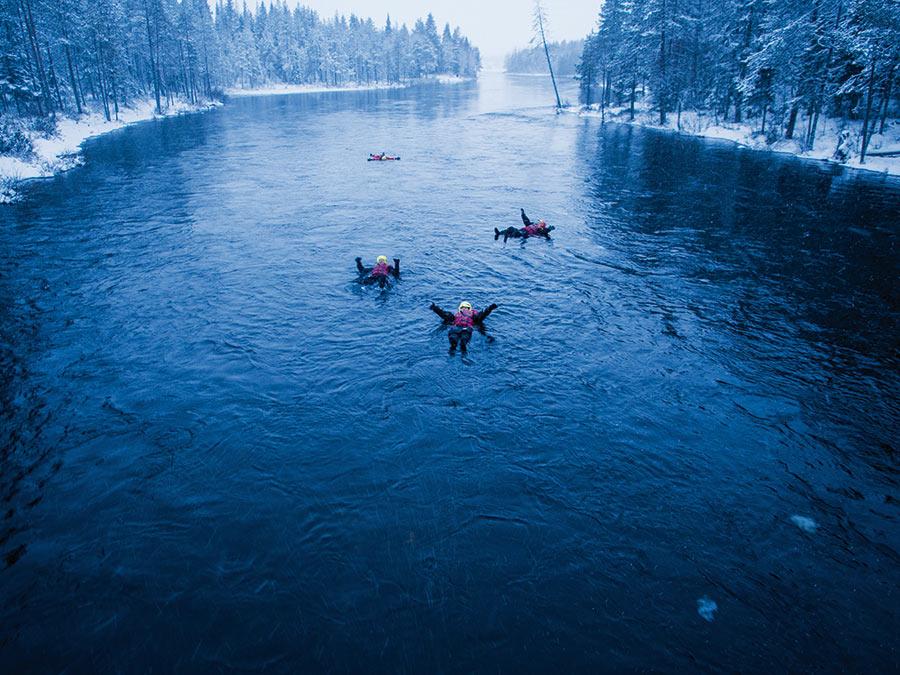 abenteuerreich Erlebnistouren, Finnland, Winter, Action in Finnland, VIP, Buggies, Rentier, Eisangeln, Wildbachschwimmen, Polarlichter, Skooter, Skidoo, Motorschlitten